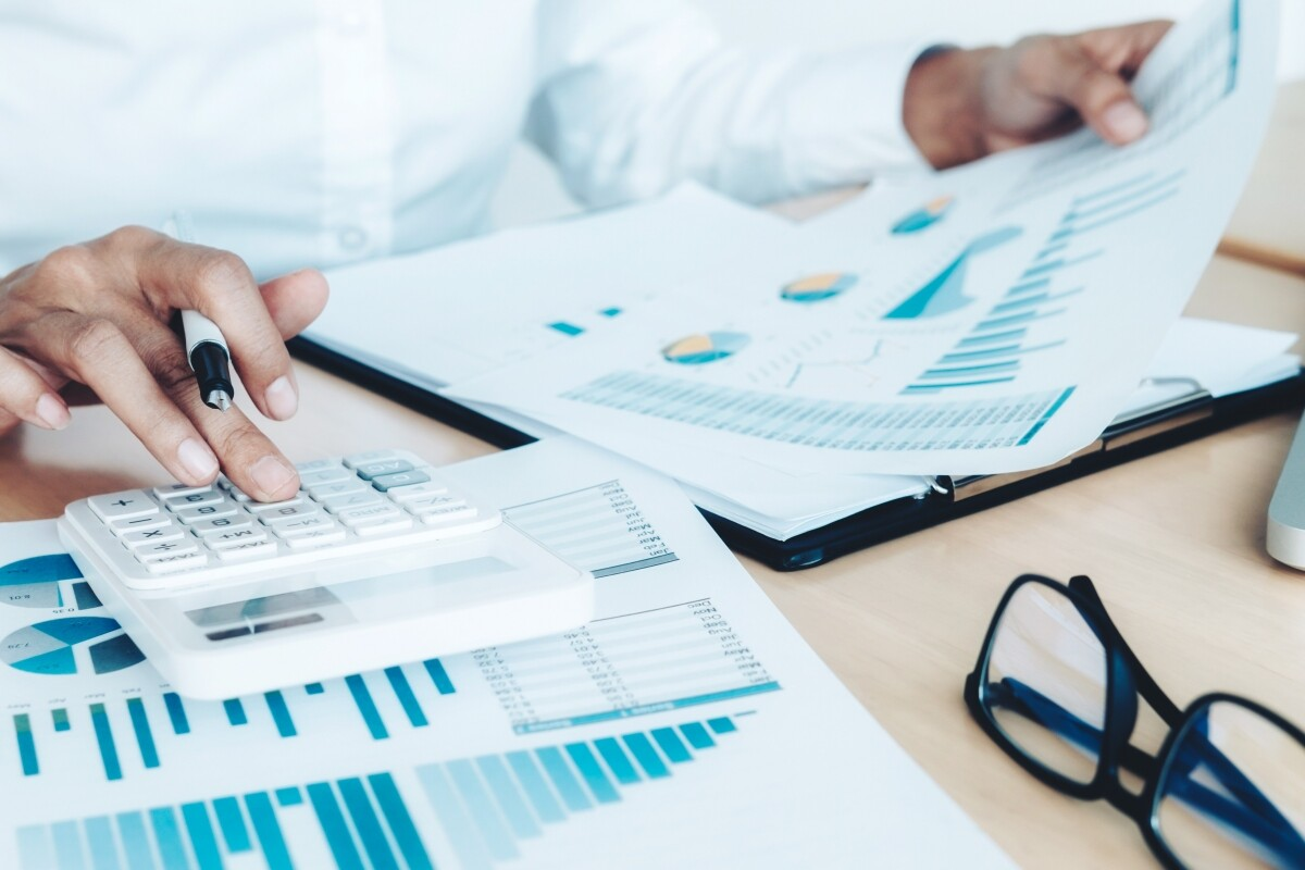 Hiring Qualified Accountant